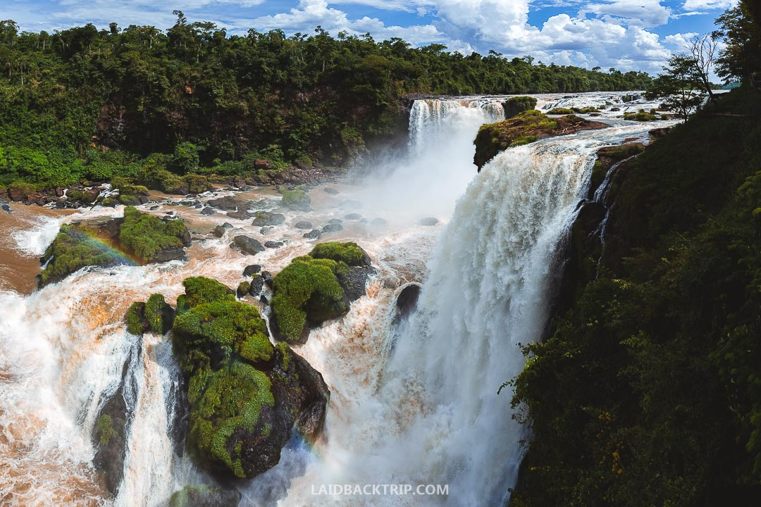 You can easily visit Salto del Monday from a Ciudad del Este as a day trip tour.