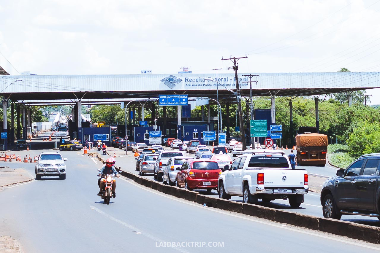 This post will guide you on crossing the border from Paraguay to Brazil by land and how to safely get from Paraguay to Brazil via Friendship Bridge border on your own with public transport.
