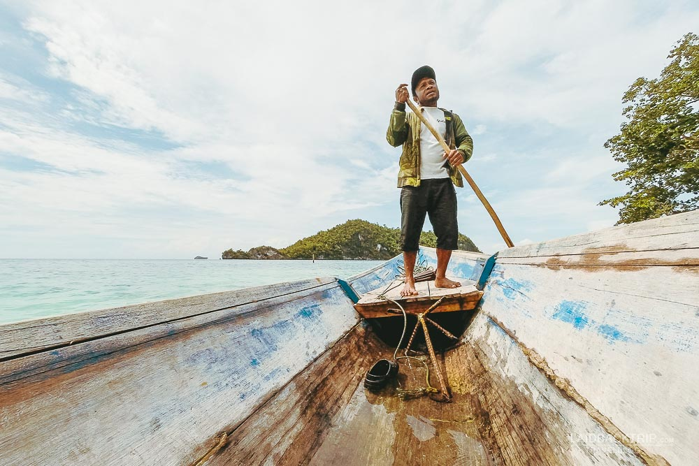 You must do island hopping while exploring Raja Ampat.