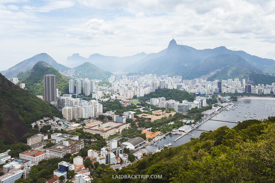 We created a guide to help you visit the famous Sugarloaf Mountain.