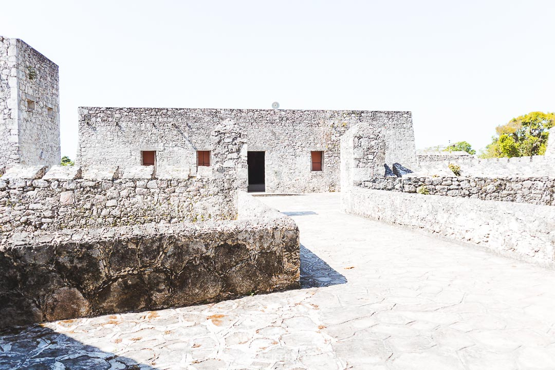 You can visit a colonial fort in Bacalar.