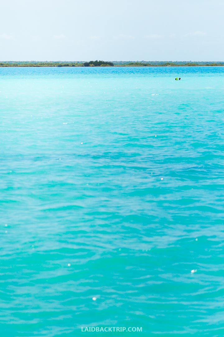 Lake of seven colors is another name for Bacalar lake.