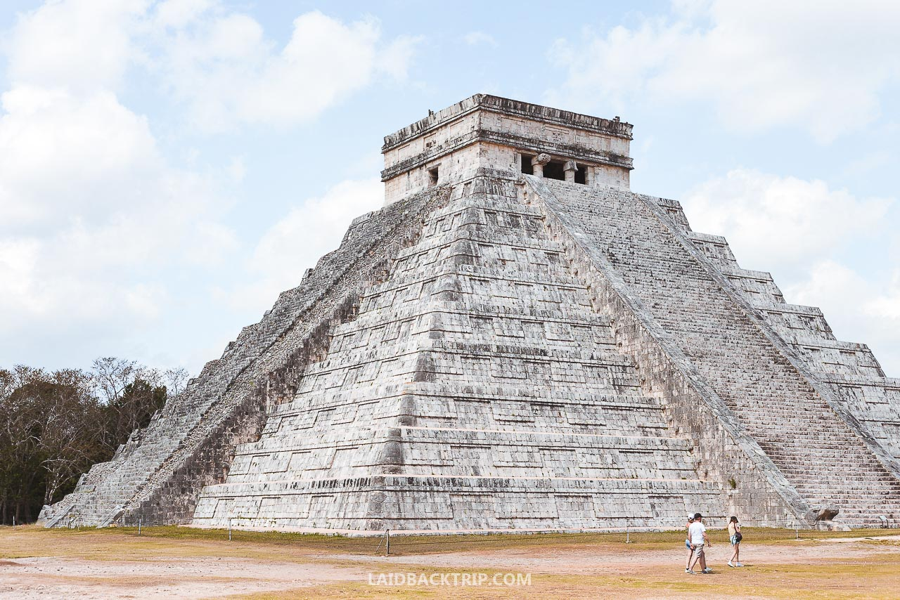 Chichen Itza, Mexico is amazing Maya ruin in Yucatan, and this is our travel guide including useful tips and advice.