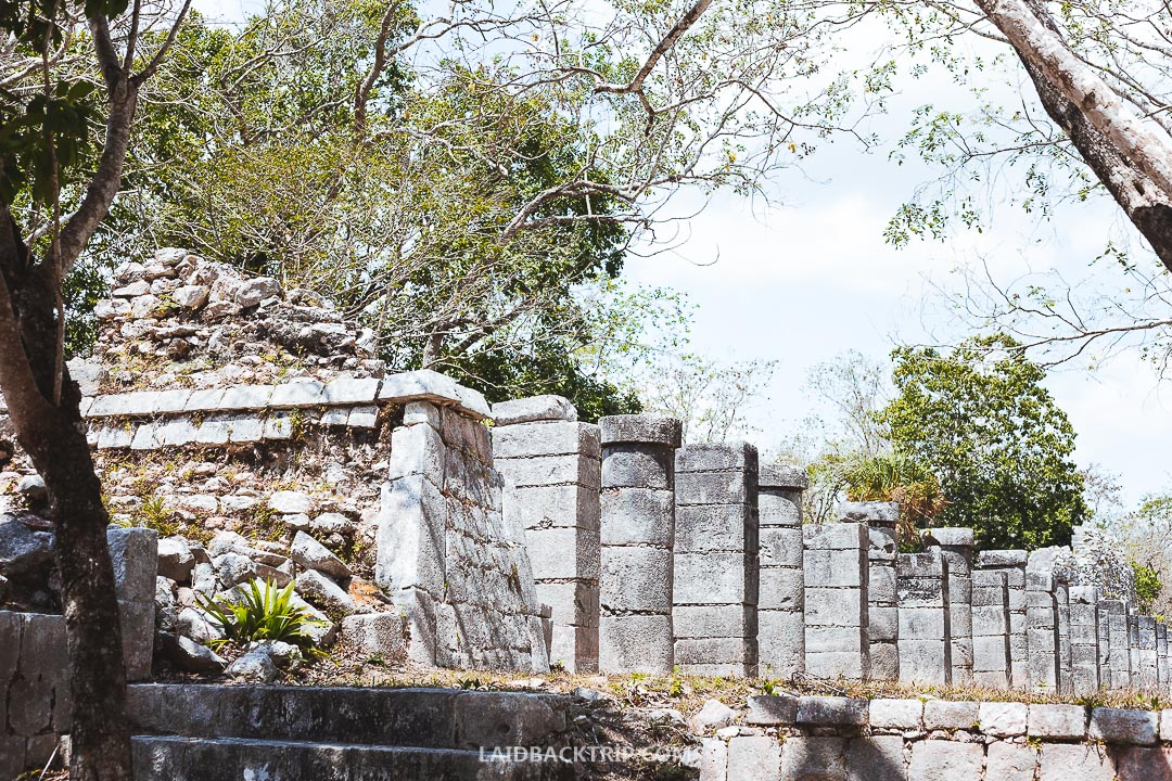 You can hire a local guide in Chichen Itza.