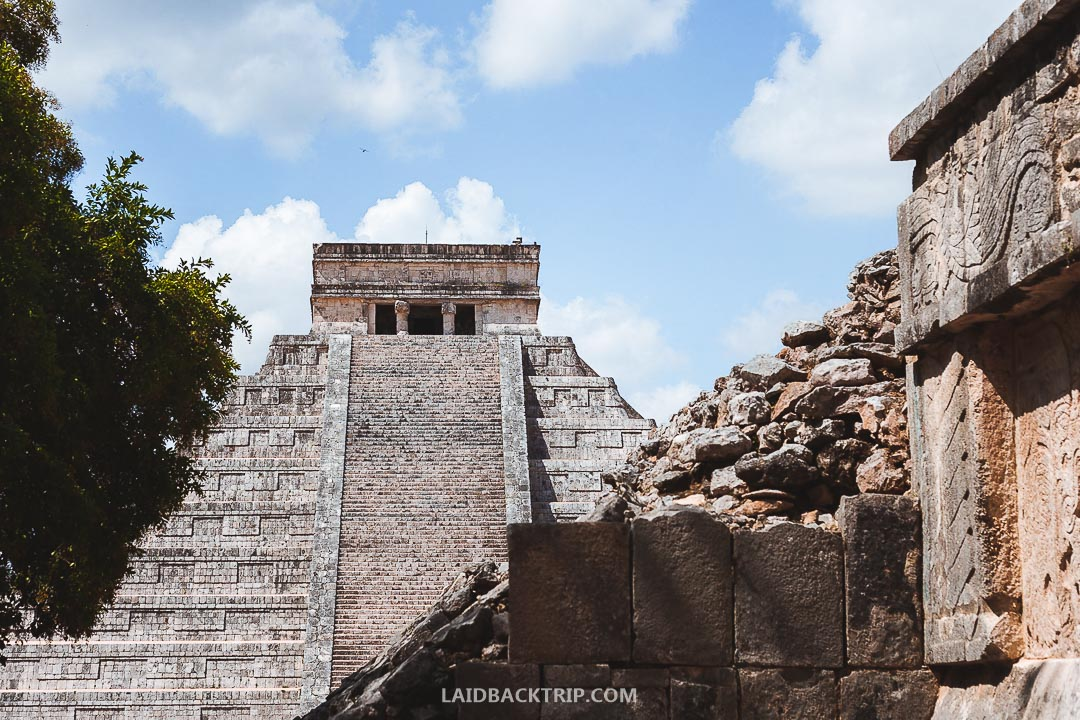 To learn the most about Mayan and Chichen history, we recommend you to hire a guide.
