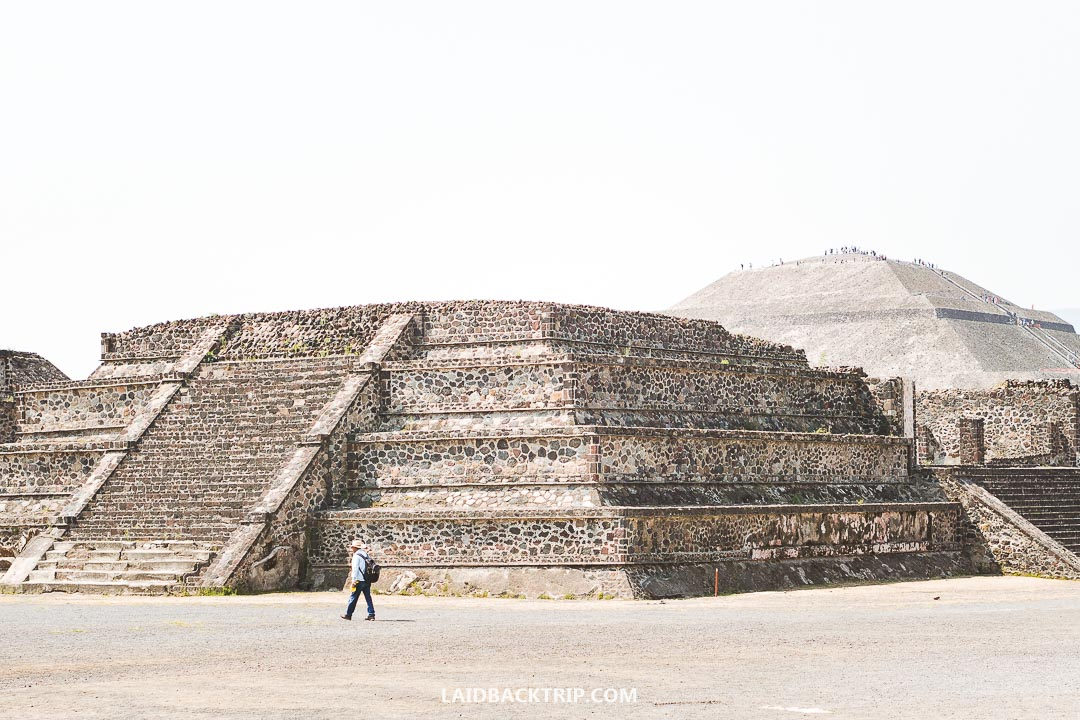 You can get easily by public transport to Teotihuacan.