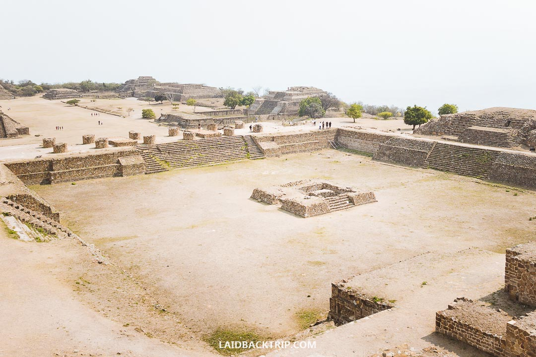 We took a tour to visit the Monte Alban from Oaxaca.