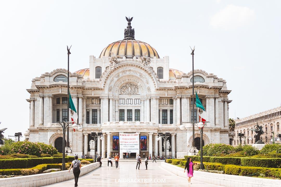 Palacio de Bellas Artes is a must-visit place in Mexico City.