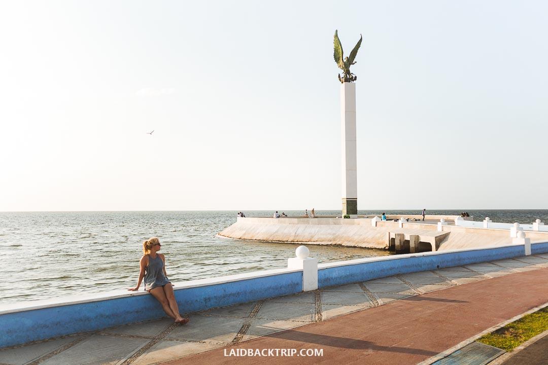 You can visit a beach in Campeche.