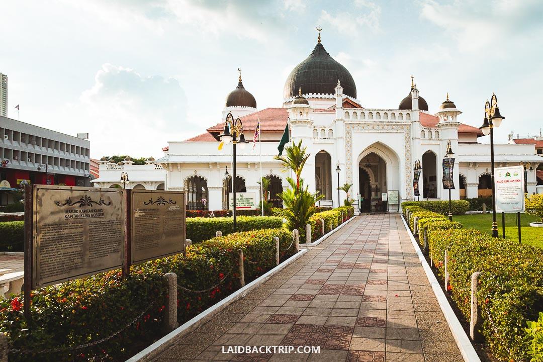 Kapitan Keling Mosque is a beautiful building in George Town.