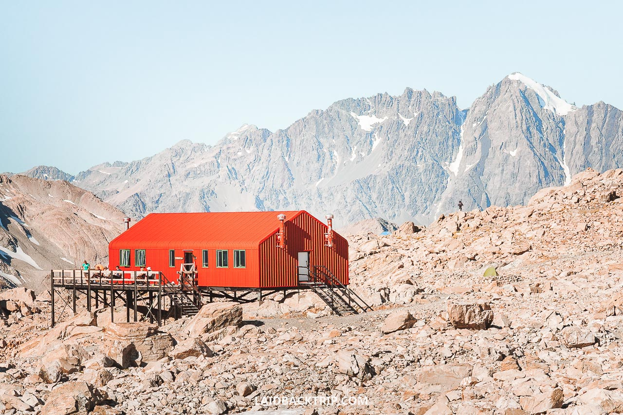 Mueller Hut in Mount Cook National Park is one of the best hikes in New Zealand.