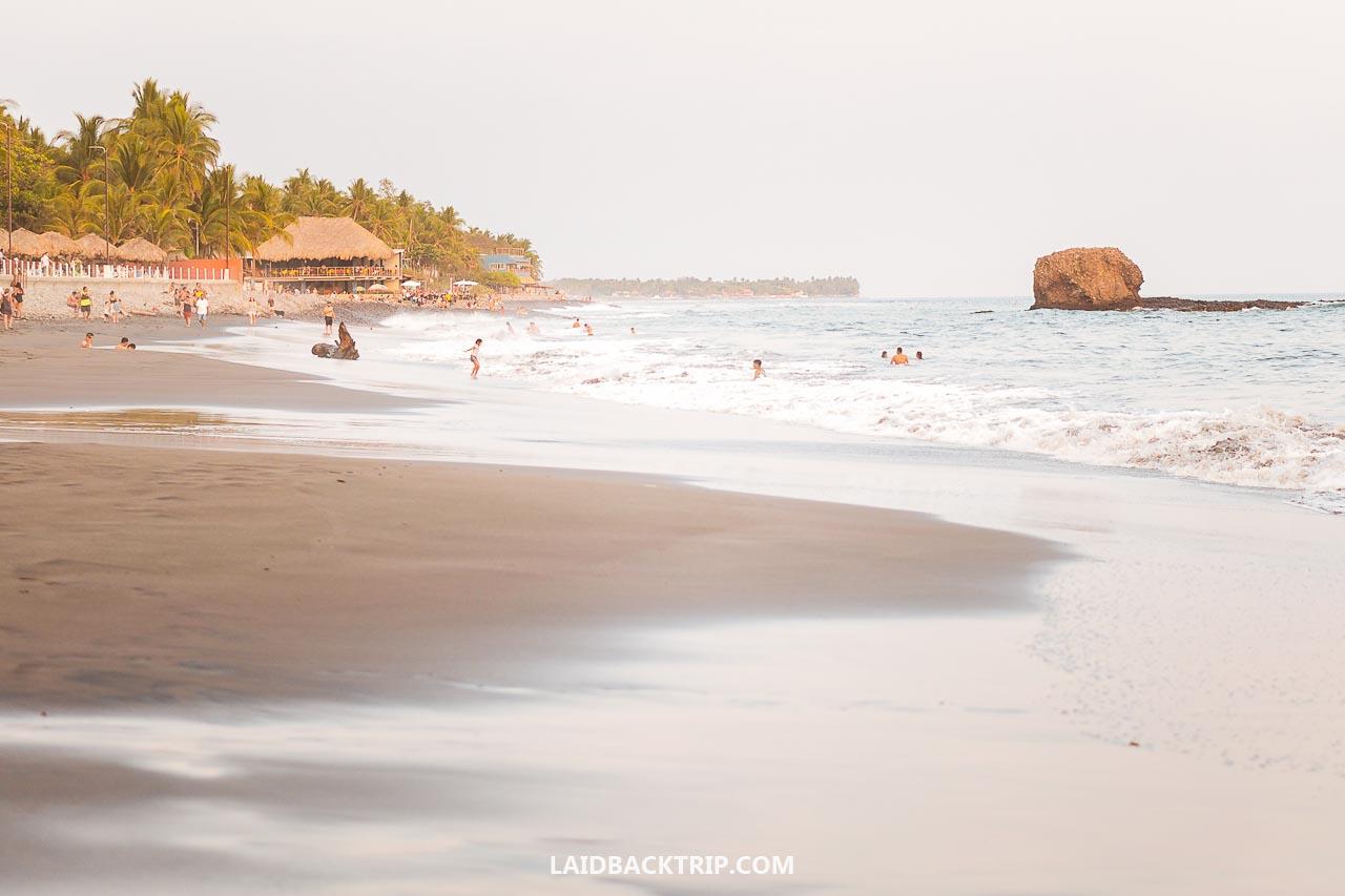 El Tunco Surfers Paradise In