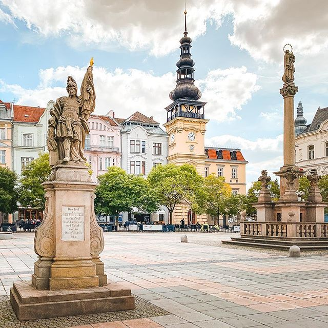 It's always fun to travel abroad, but it is even better to arrive back home. Especially when you realize how little you know your homecountry. For example, we've visited Ostrava, the former steel and coal mining capital of the Czech Republic many times, but we had never seen the main square! During our last visit, we finally saw how beautiful it is.  #czechia #czechrepublic #ostrava #ostravacity #travelingram #travelingislife #europe_ig #wanderingfeet #beautifulcities #amazingarchitecture #travellust #travelcouples #travelresponsibly #travelwithoutflying #europe_greatshots #triptoeurope #exploringtheglobe #visitczechrepublic #visitczech #cityexplorer #citydweller #destination_wow #awesometrip #daytripper #travelerography #travelernotebook #slowtraveller #discovereurope