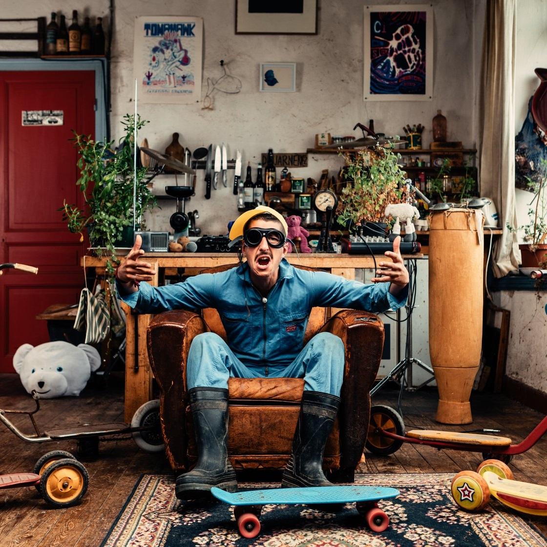 El maout - Dadaistisk hip hop performance fra den franske landsbygda