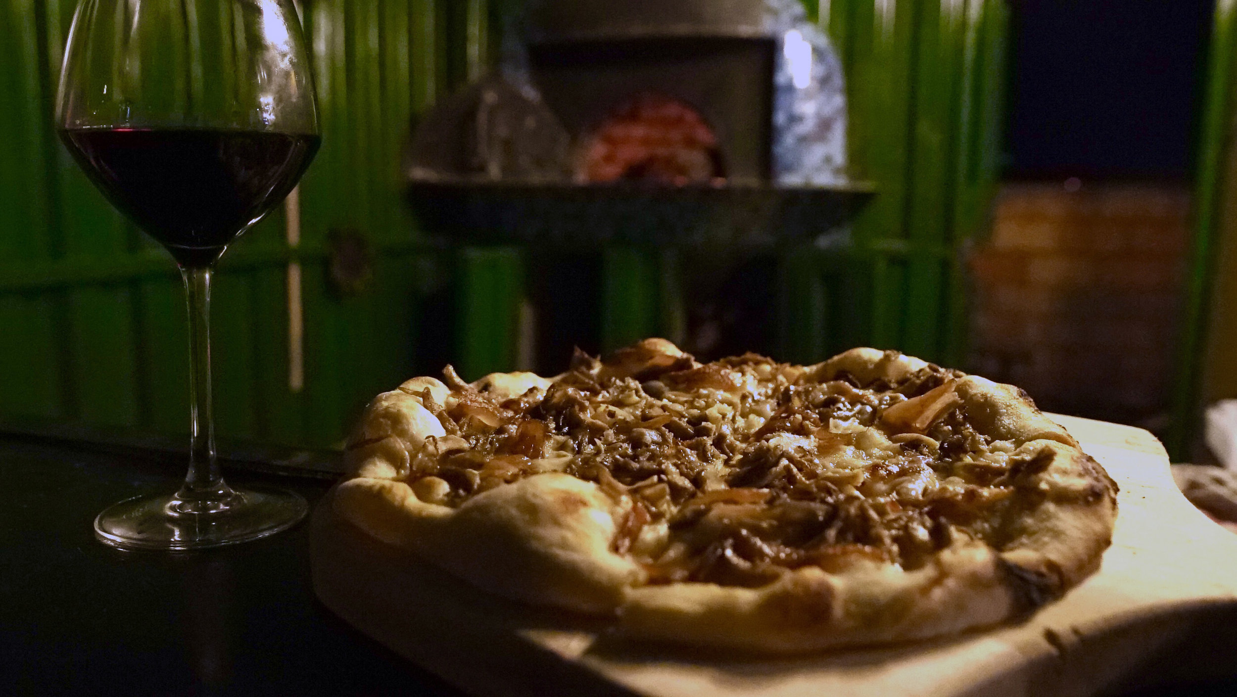 mushroom_pizzaovenBG.jpg