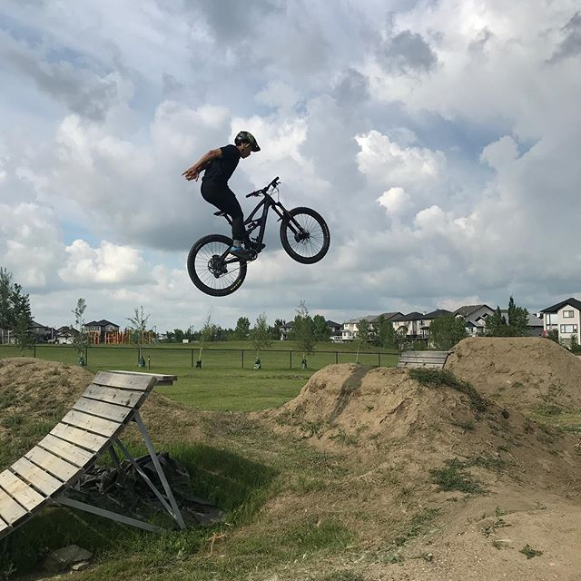 Happy international ride MTB day (AKA everyday)! The lads from the shop celebrated with a visit to the wonderful @chestermere_bike_park . Its such an incredible playground, kudos to those who built and maintain it! . Checkout @pro_tato the wall ride master and @lance_calagan with the suicide no hander over the wood booter. #jumpduro #rungwhatyoubrung #steez