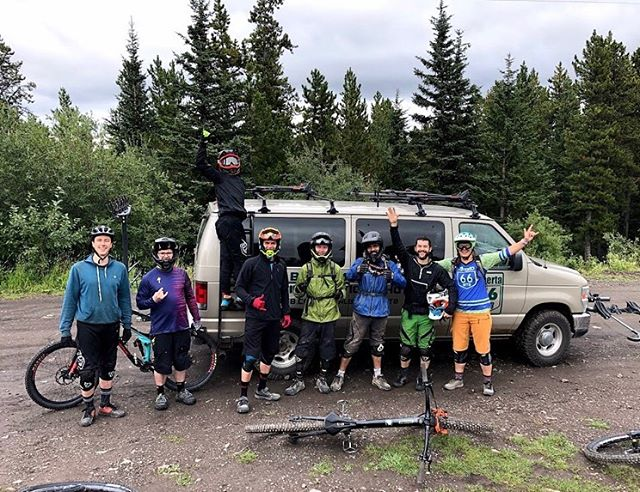 We had a blast shuttling with our friends at @alberta66mtb. On labour day we shuttled moose with three lucky volunteers from the @mmbtsinfo trail days and inside line staff. We rode until we were too tired or injured to continue. Careful on the wet wood! . .  If you're ever looking for some guiding, coaching, or shuttling service in Kananaskis, Jeff and Laura do an excellent job. We can't wait to see their BnBnB business blossom in coming seasons!