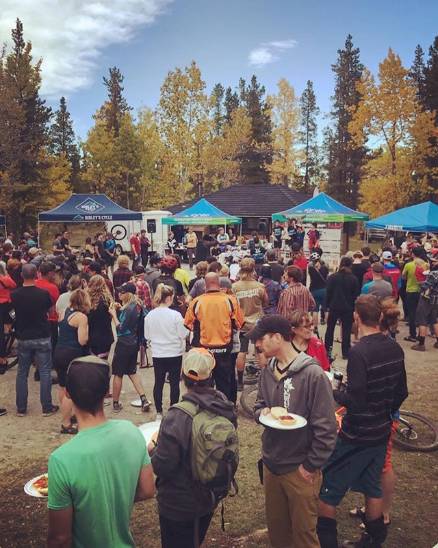 Congrats to all those that took part in #mooseduro2019 ! It's heart warming to see the community come together like this and even better knowing it all goes towards future trails! Kudos to @alberta66mtb and the other volunteers for making this happen! . @mmbtsinfo  @bandedpeak_brewing @borncoloradobrewing @paddysbrewbecue @mountainx1 @ridleyscycle @tairinwheels @winsportbikepark @pedskiwks #alltimefalltime #kananaskis @theflannelcrew