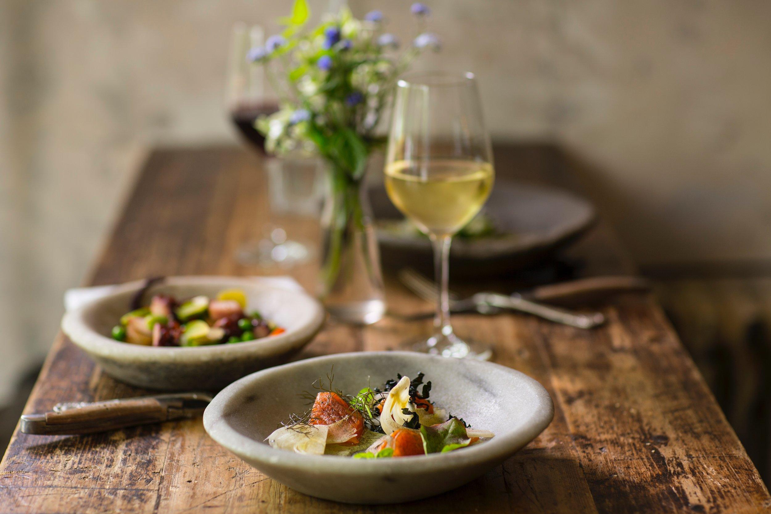 Mein & Dein…das etwas andere Wine & Dine - AUSGEBUCHTFreitag, 26. April 2019, ab 18.00 Uhr Apéro, 19.00 Uhr Essen5-Gang Menü mit den passenden Weinen, welche von Arndt Köbelin persönlich vorgestellt werden.