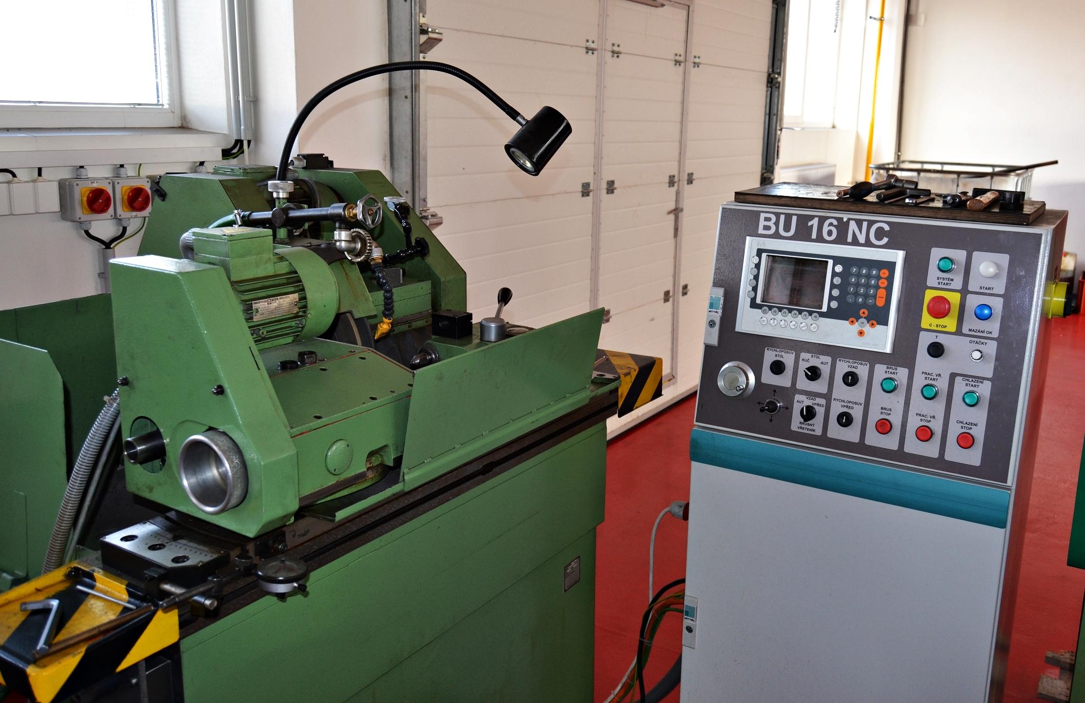 Broušení - bruska na kulato BU 16 NCbruska na kulato BK400 konvenčníbruska na plocho BPH 20NA (200x600mm) 2xbruska na plocho MATRA (400x800mm)