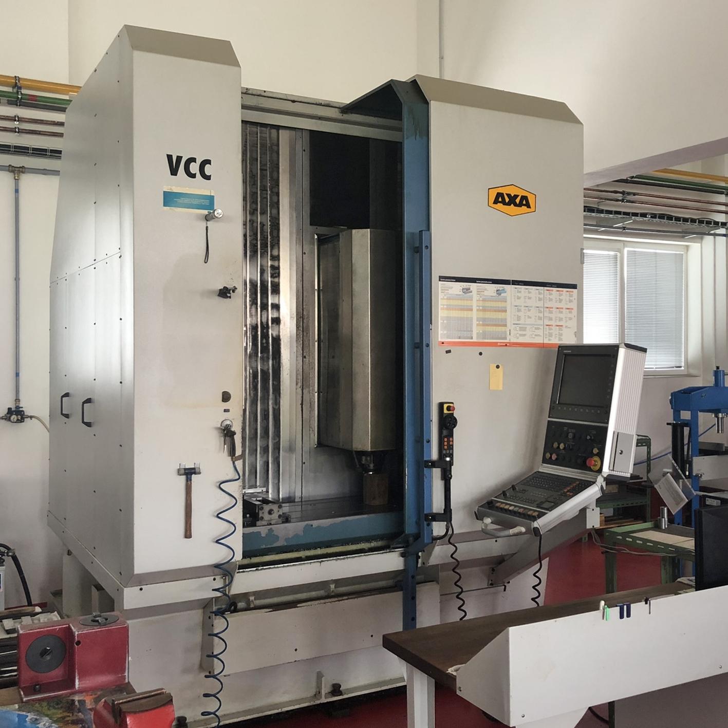 AXA VCC 1000 - 3-osé frézovací centrumpracovní rozsah: x=940mm; y=520mm; z=600mmotáčky vřetena 8 000 ot./min.řídící systém Heidenhain iTNC530