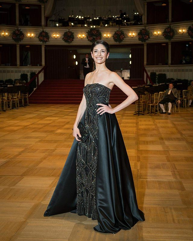 Beautiful Opernball 2018 #ketevanpapava #opernball2018 #glamourous # thank you @laskarivienna #feshiondress