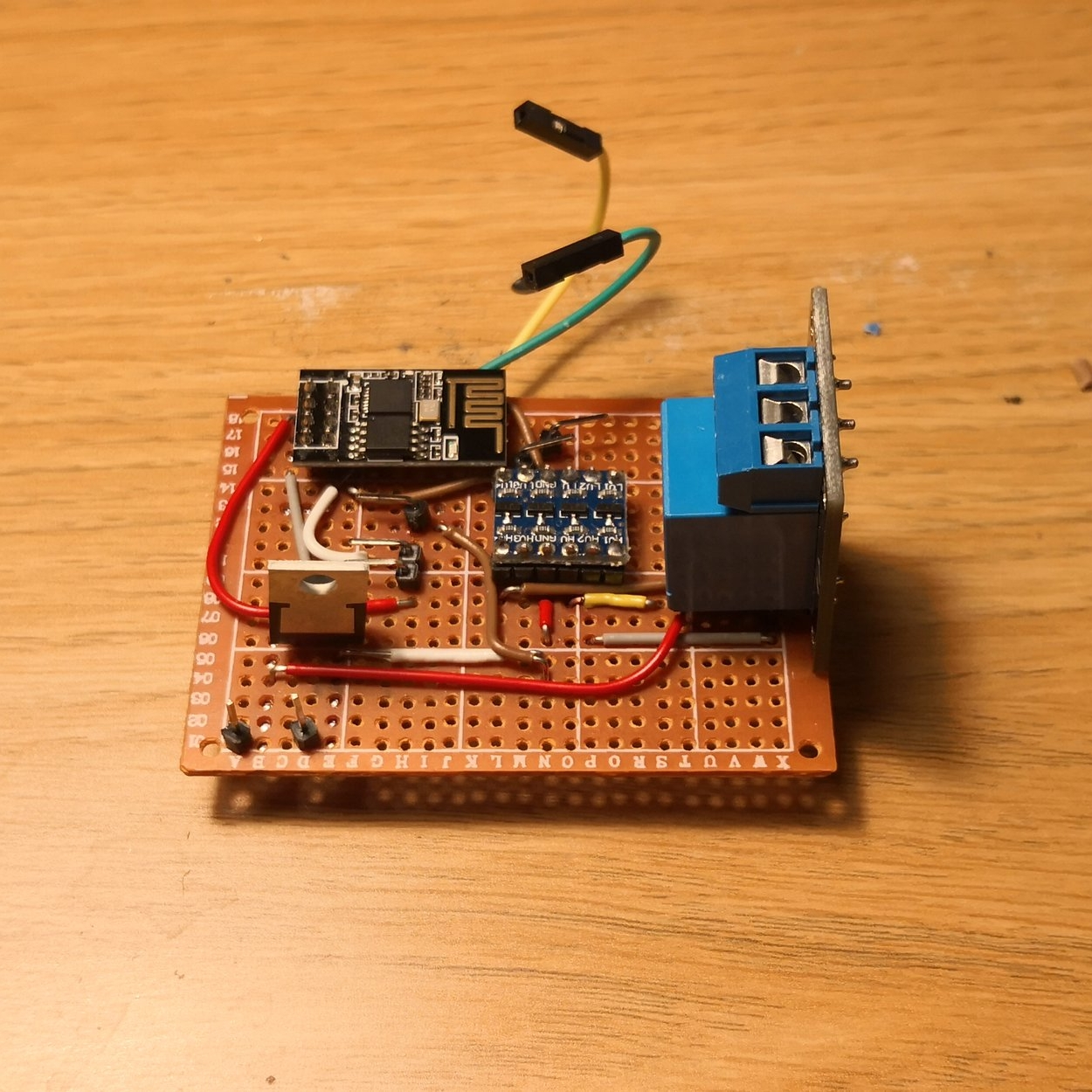 Färdig PCB med alla komponenter (primär)