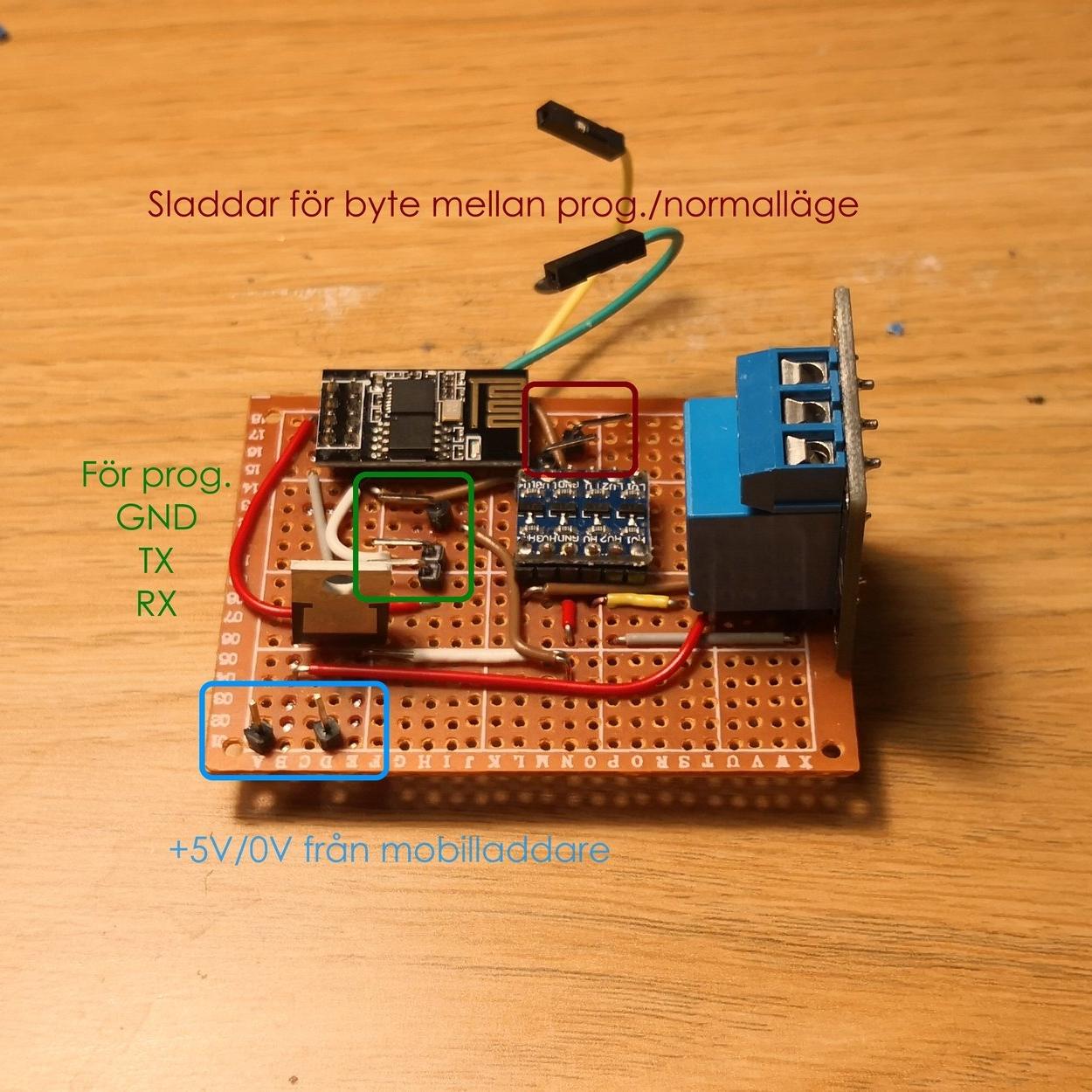 PCB:n jag gjorde har stift kopplade till chippet så att jag lätt kan uppdatera mjukvaran.
