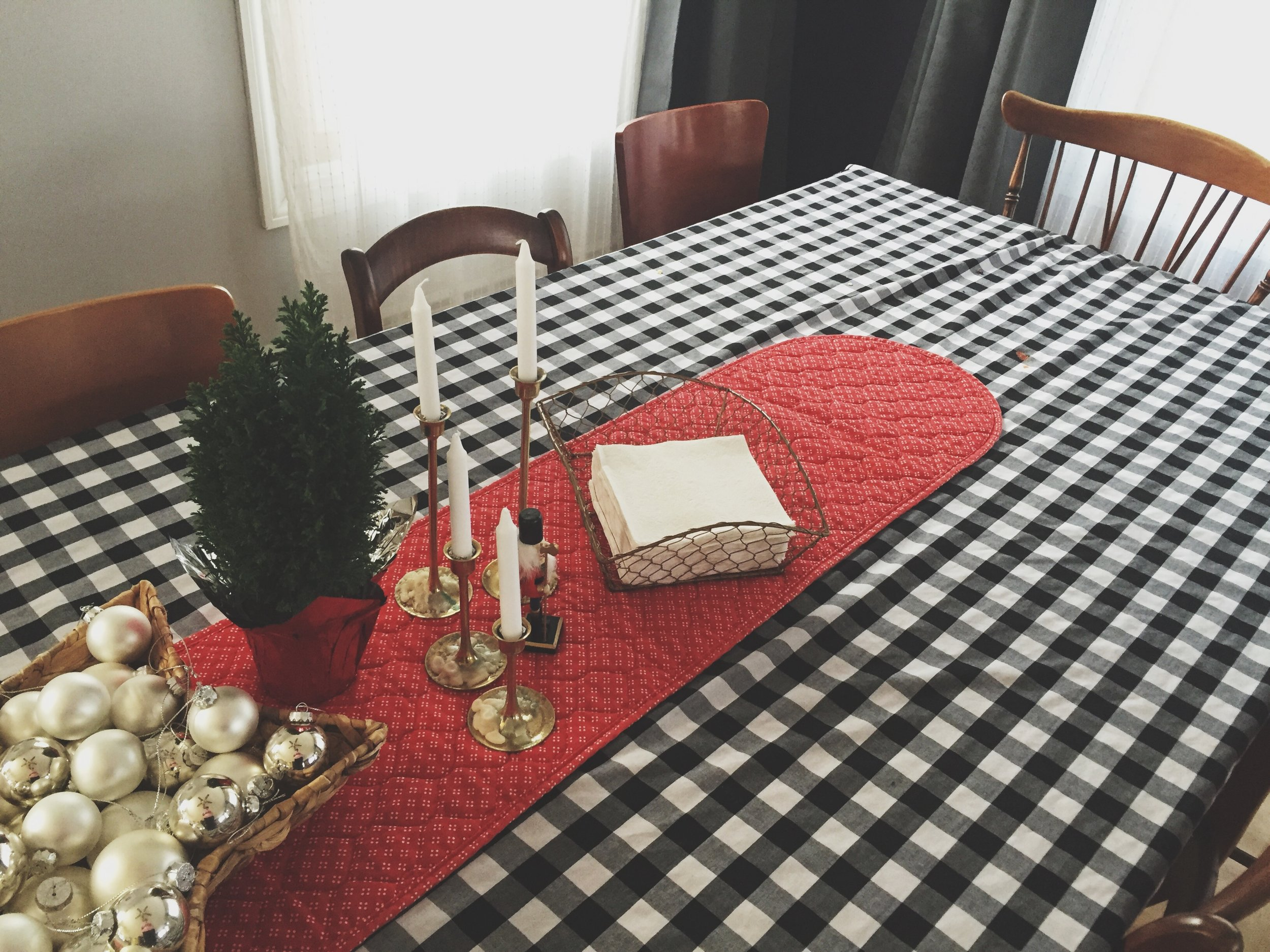My Christmas Tabletop | Cassia & Co.