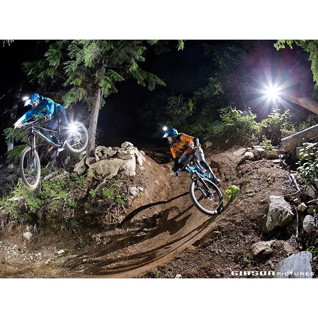 There are lots of different ways to get photos of night riders - this is how we did it out on the Turn Styles trail at Morning Mountain.———————————-——————🚲 @_mike_brothers_ & @asiansean