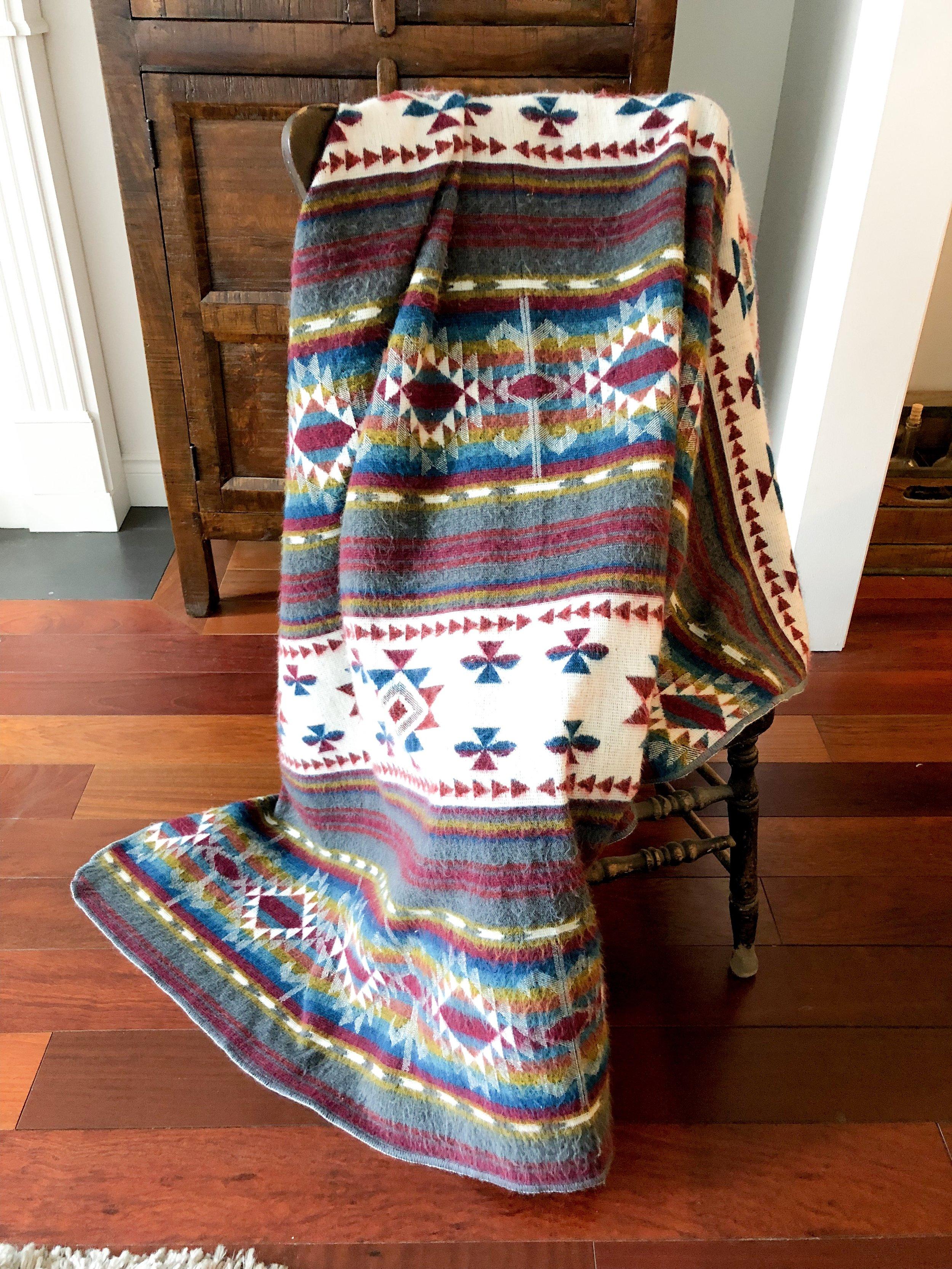 Quito Blanket / #035 / $20
