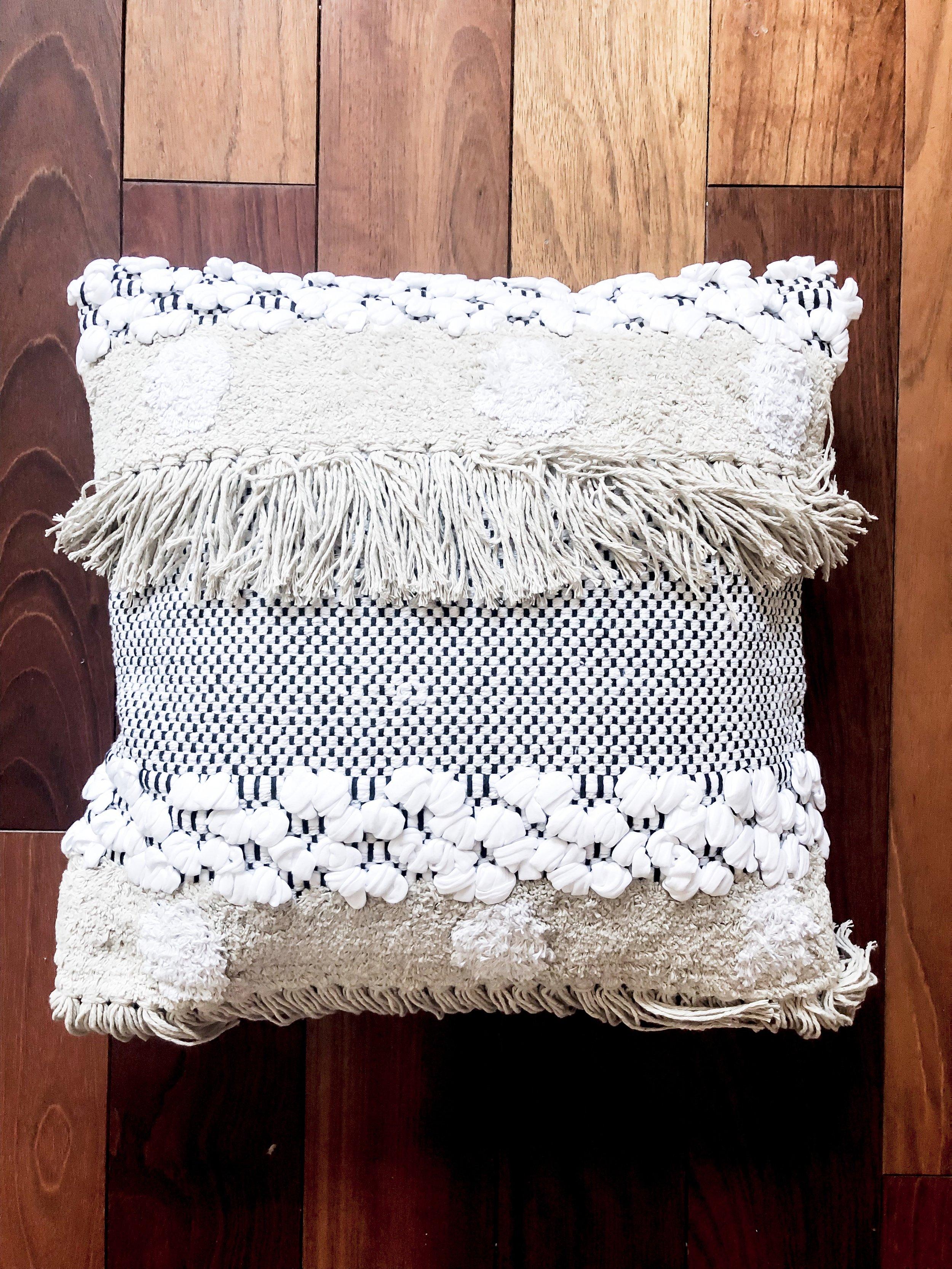 Boho Pillow Djan / #047 / $10
