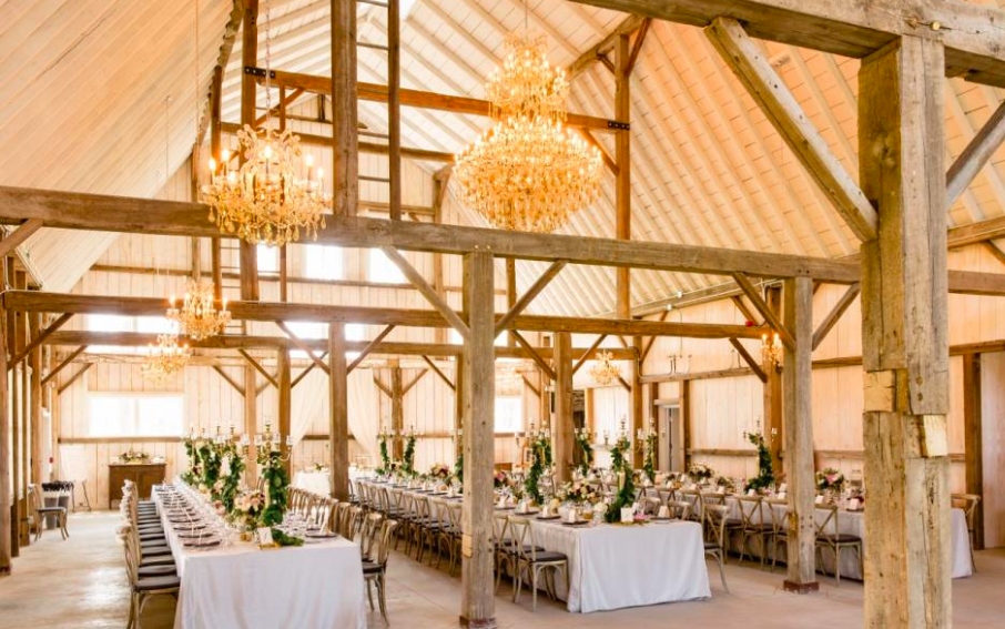 Stonefields Estate - Ottawa, ONA barn wedding with an elevated elegant design.