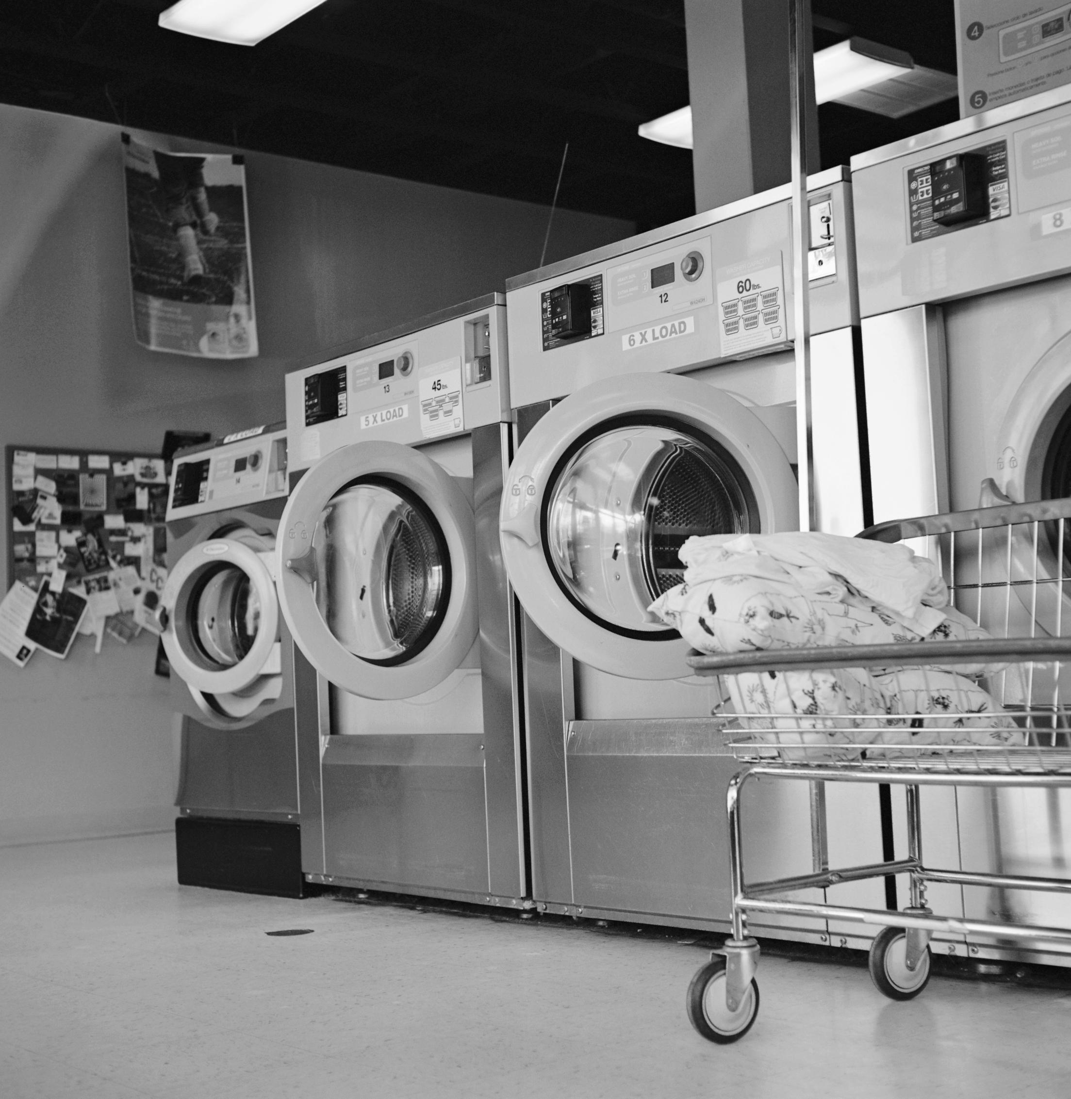 Cora Coronel - Laundry