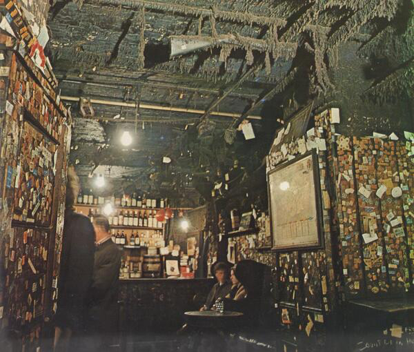 Dirty Dick's in 1969. From Discovering London (@PeteBSW1)