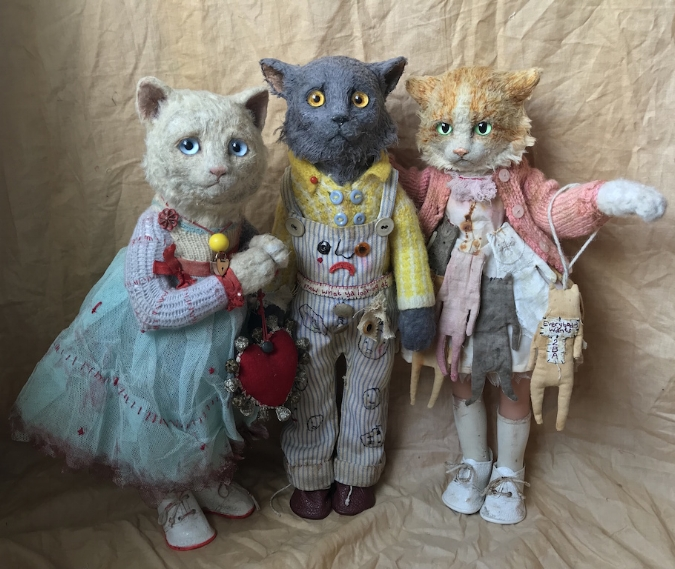(Annie Montgomerie, Owner, 2018, Don't Know What Ya Lookin At, 2018, Everybody Wants to Be a…, 2018. All works made of muslin, cotton, silk and wool, with doll abdomen and legs, courtesy of the artist and Cat Art Show)