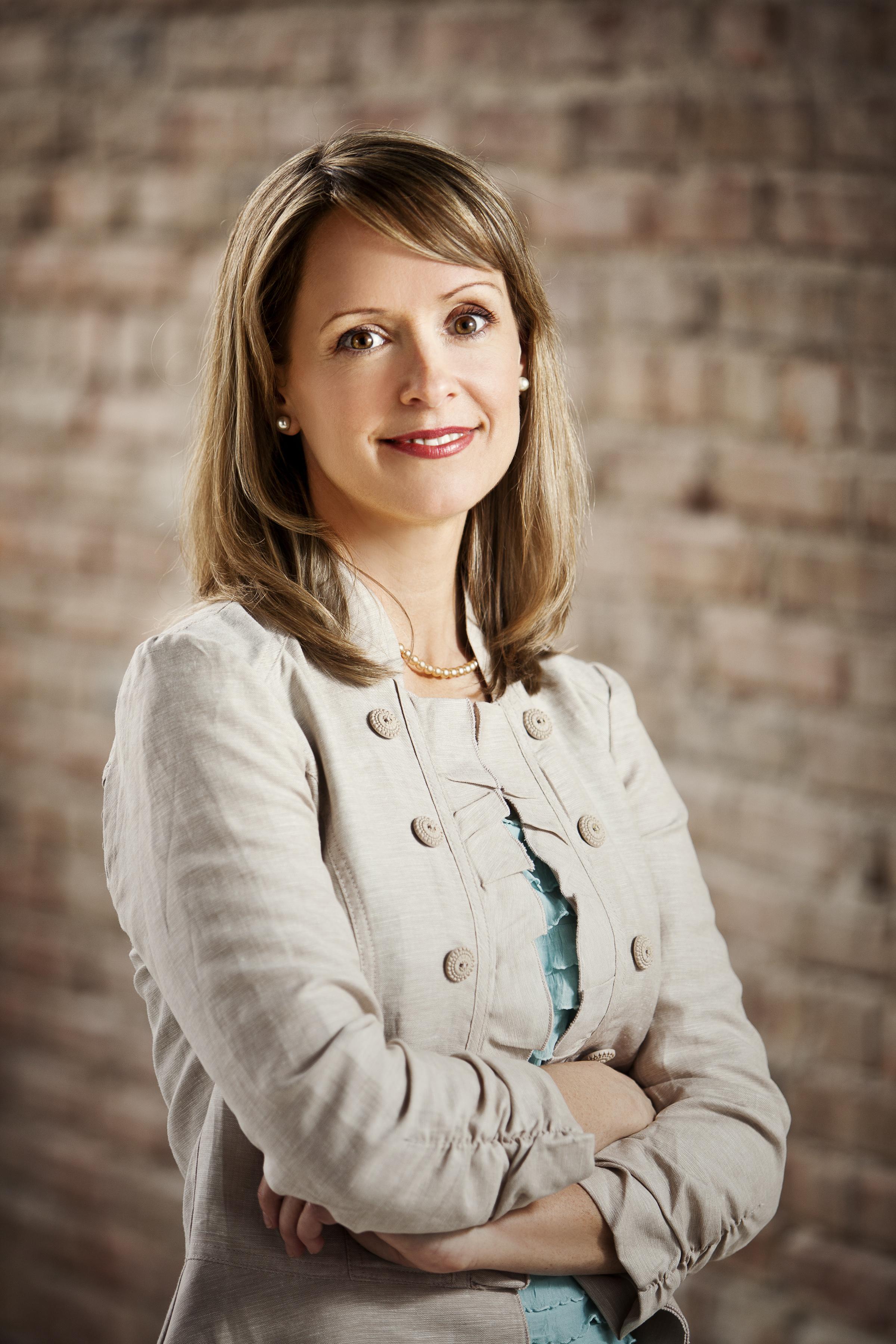 Anne Jones -BioPhoto.jpg