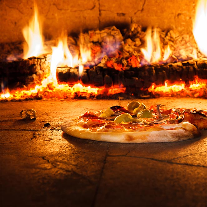 Now Open! - P-Town PizzaCome enjoy the best wood-fired pizza this side of the Mississippi at our newly opened P-Town Pizza, just down the road from The Boarding House! (Wings and salads, too!)