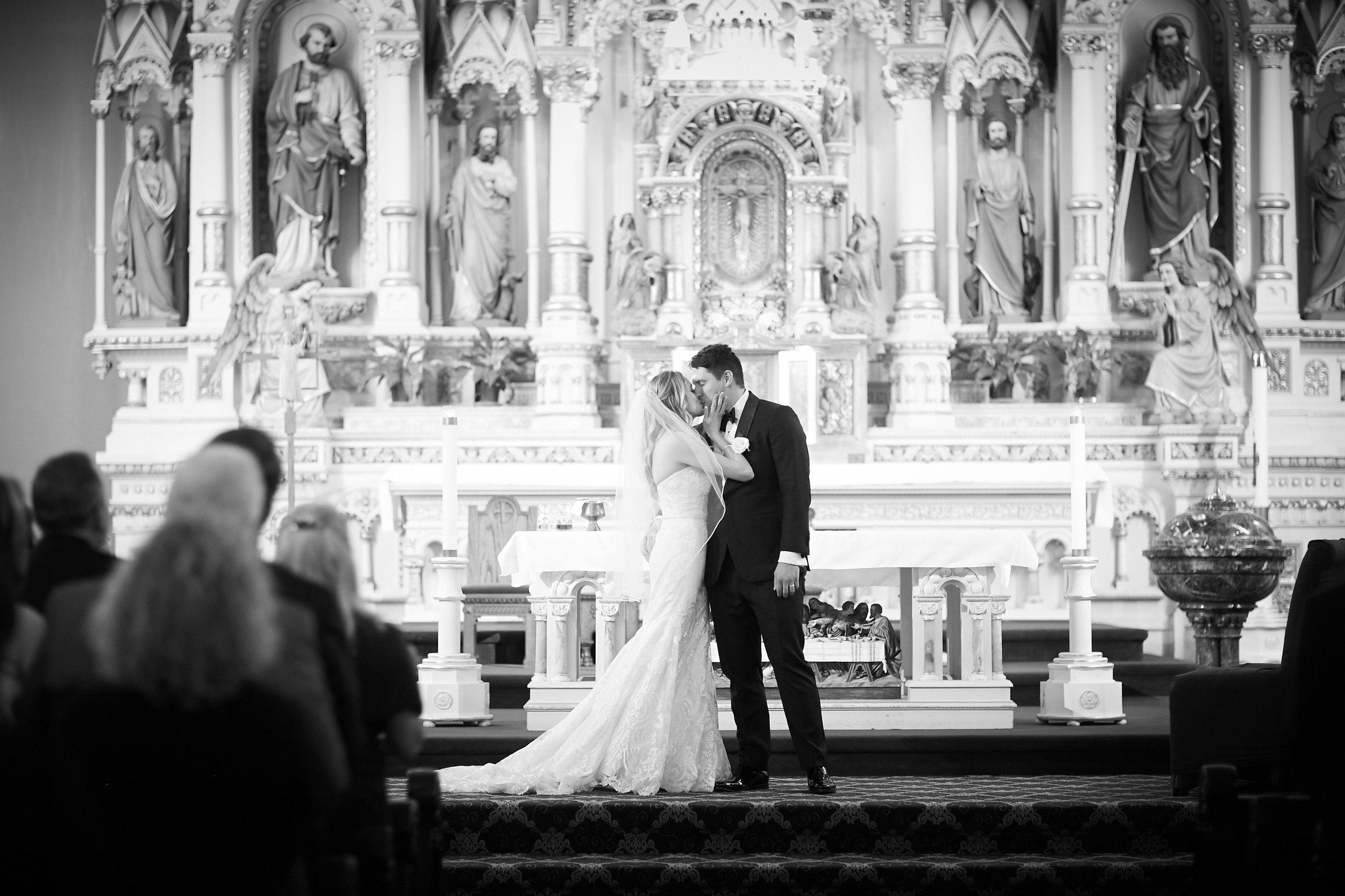 wedding ceremony kiss bride groom