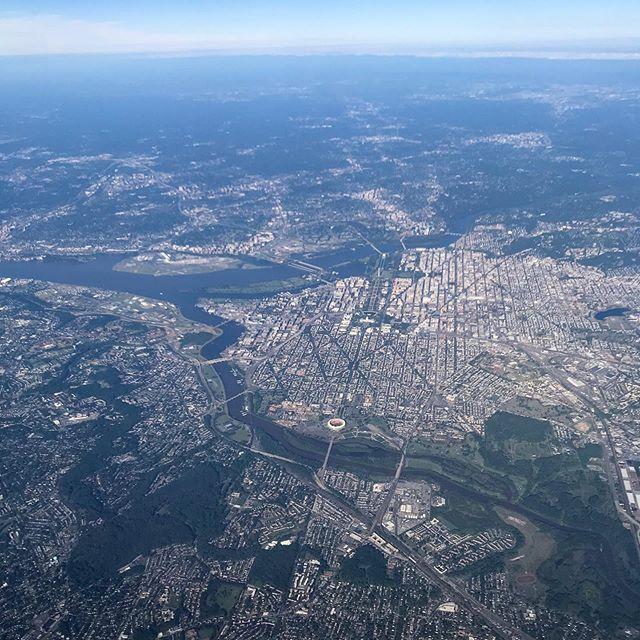 Passing Washington, DC on the way to vacation. . #planewindow #planeview #airplanewindow #inthesky #fromtheair #viewfromtheplane #dc #washingtondc  #districtofcolumbia #travel #travelholic #travelporn #travelbook #travelog #letsgoeverywhere #lovetotravel #explore #exploretheworld🌎