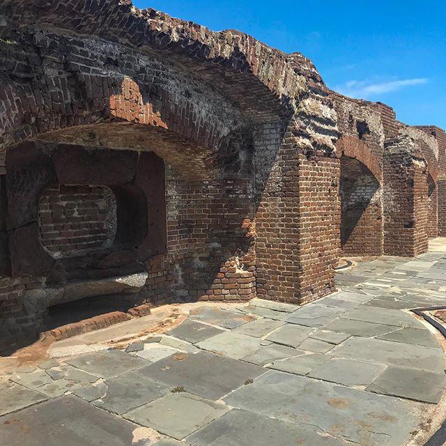 Walking around the #ruins of #fortsumter. . . #ruinstagram #fortsumtertour #fortsumternationalmonument #civilwar #civilwarhistory #charleston #charlestonsc #tourist #tourism