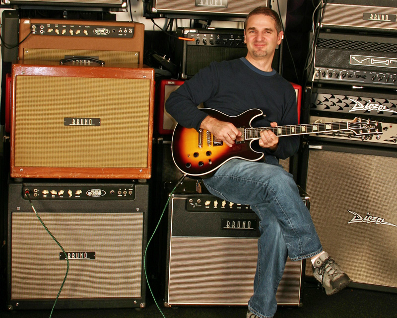Ken Volpe doing an amp demo of several Bruno Custom Amps for a client.