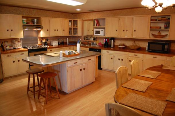 kitchen (1) 2.jpg