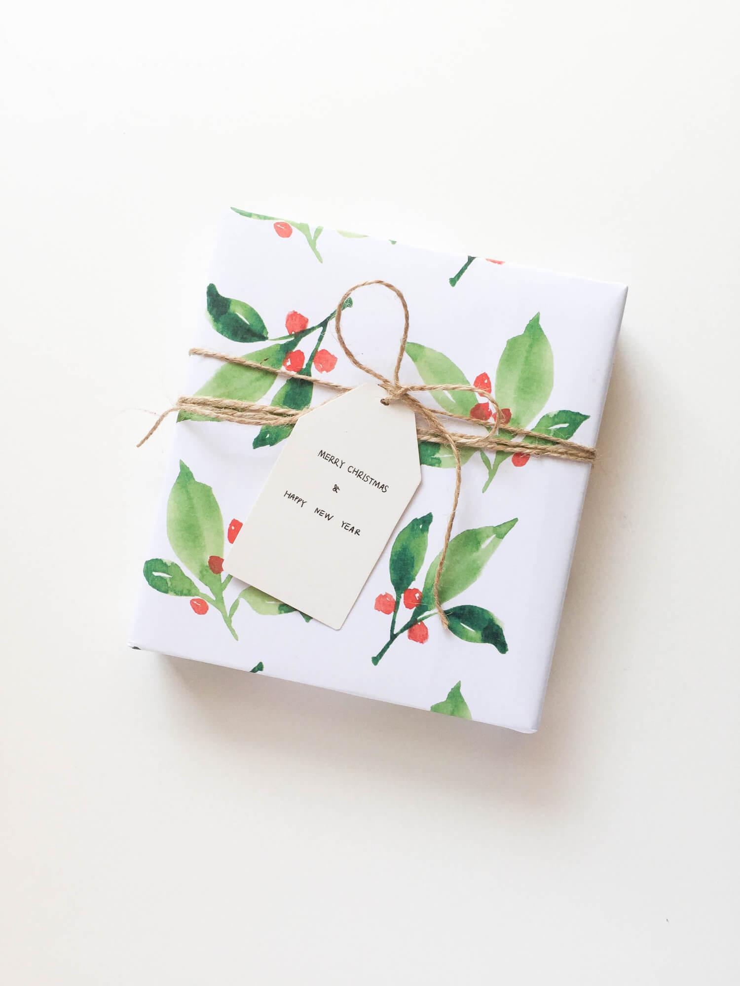 Free+Printable+Christmas+Wrapping+paper.jpg