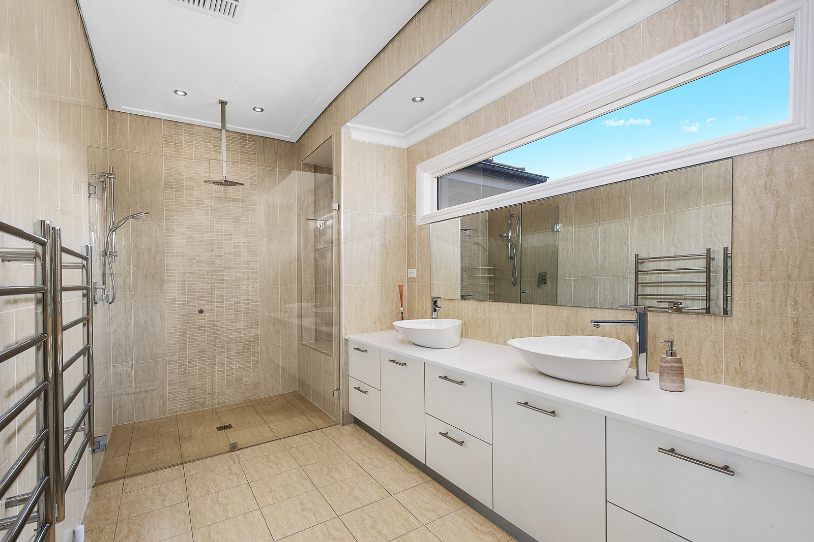 Kiama Shellharbour Gerringong Berry Wollongong South Coast Illawarra Commercial Photographer Property Photograher architectural photographer - bathroom