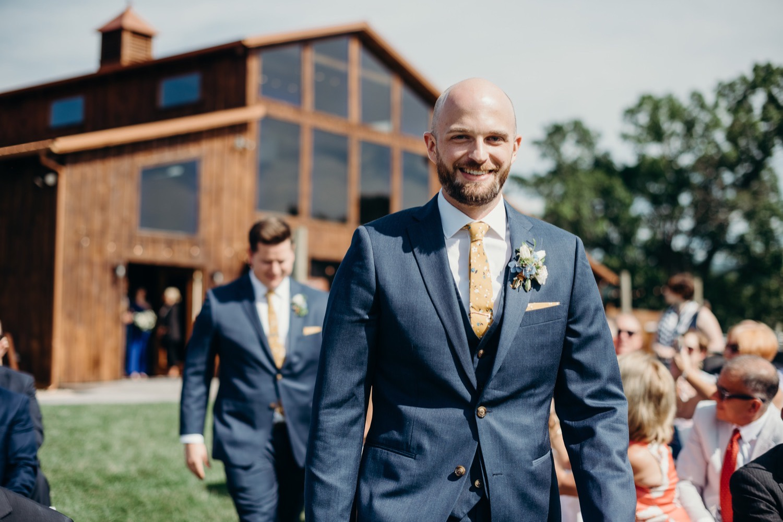 039_photographer_vineyards_virginia_faithbrooke_shenandoah_megan-graham-photography_barn_luray_wedding.jpg