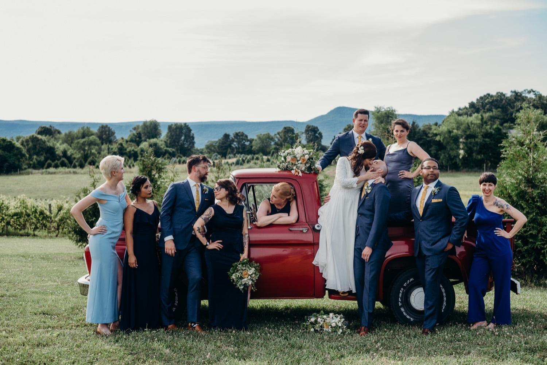 058_photographer_vineyards_virginia_faithbrooke_shenandoah_barn_luray_wedding.jpg