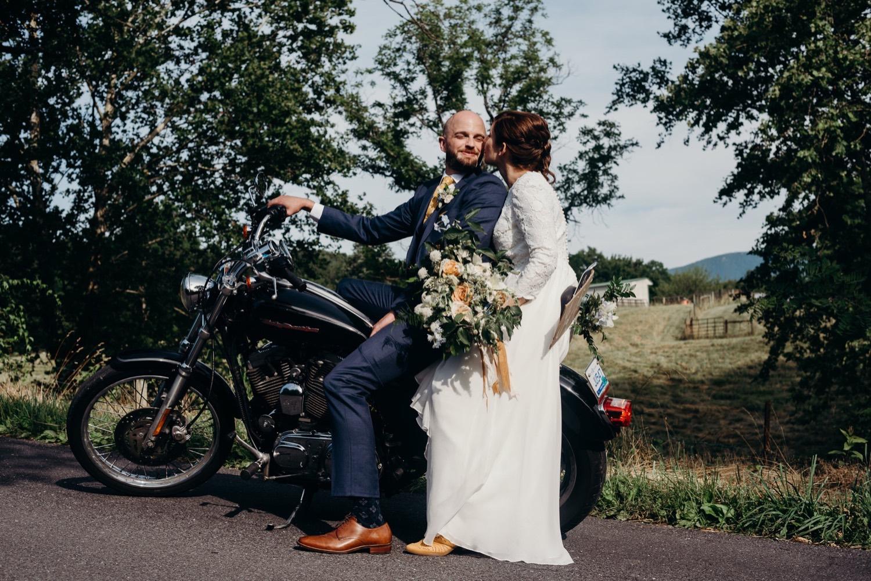 062_photographer_vineyards_motorcycle_virginia_faithbrooke_shenandoah_barn_luray_wedding.jpg