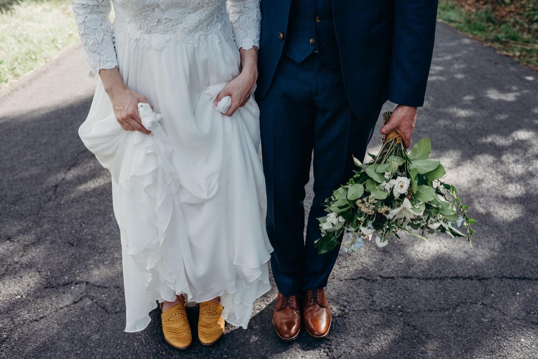 068_photographer_vineyards_virginia_faithbrooke_shenandoah_barn_luray_wedding.jpg