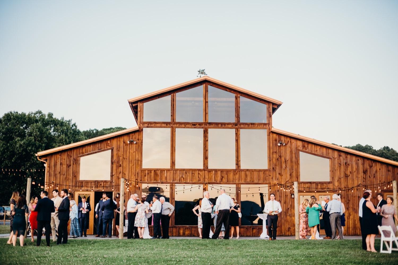 086_photos_barn_faithbrooke_vineyards_wedding_megan-graham-photography.jpg